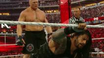 WWE 雷恩斯闪电突袭莱斯纳!竟30秒就被制服!大布流血怒气激增!