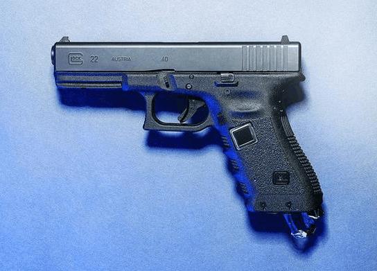 十九岁男孩发明双枪老太婆专用美式手枪 手枪中的劳斯莱斯