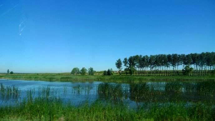 景区位于大兴安岭山脉中段的西南麓,呼伦贝尔,科尔沁,锡林郭勒和蒙古