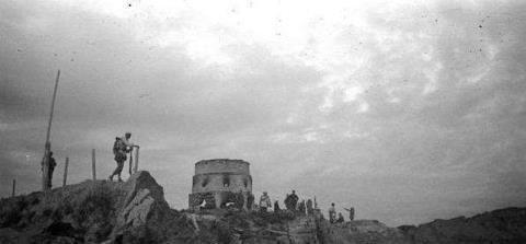 为摧毁日军炮台, 我军将士甘愿当人肉炸弹, 轻者牺牲重者尸首分离