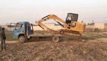 实拍挖掘机上货车,挖机师傅的技术太牛了