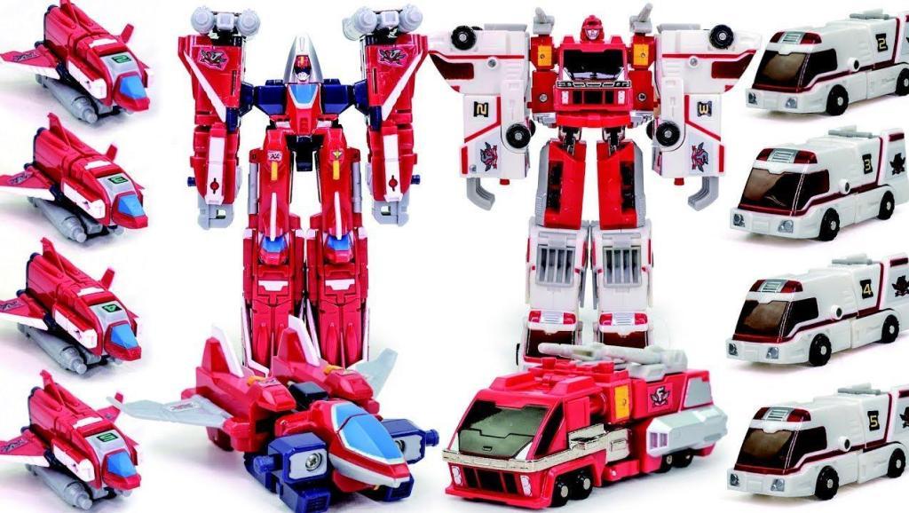 红色机械消防车变身战警机器人进行战斗 小火车去哪儿了