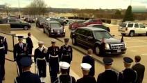 特朗普从奔驰上下车的瞬间,身旁的保安都紧张到冒冷汗