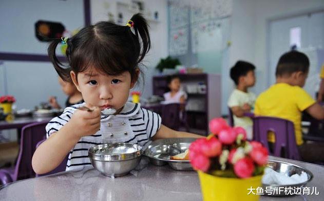 3岁宝宝不会说话? 宝爸: 急啥, 送幼儿园就好! 医生: 糊涂啊你!