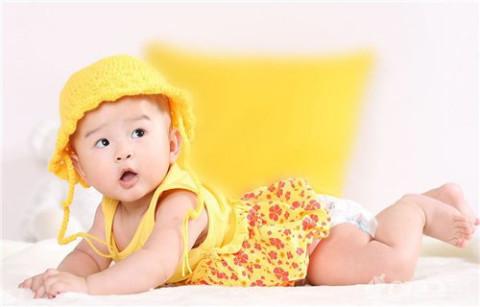 好听有内涵的女宝宝名字: 倩雪:即前雪,也就是雪天出生的可爱公主啦.