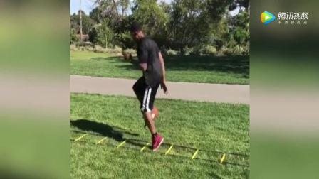 怎样训练篮球敏捷的步伐?探寻下美国的软梯训练!学起来