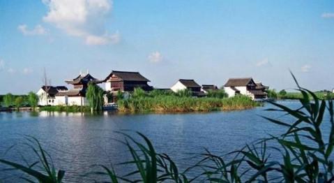 主要旅游景点有虞山尚湖旅游区,沙家浜景区,虞山景区,宝岩景区等.