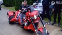 价值180万的摩托车,启动后才知道钱花在哪儿了!