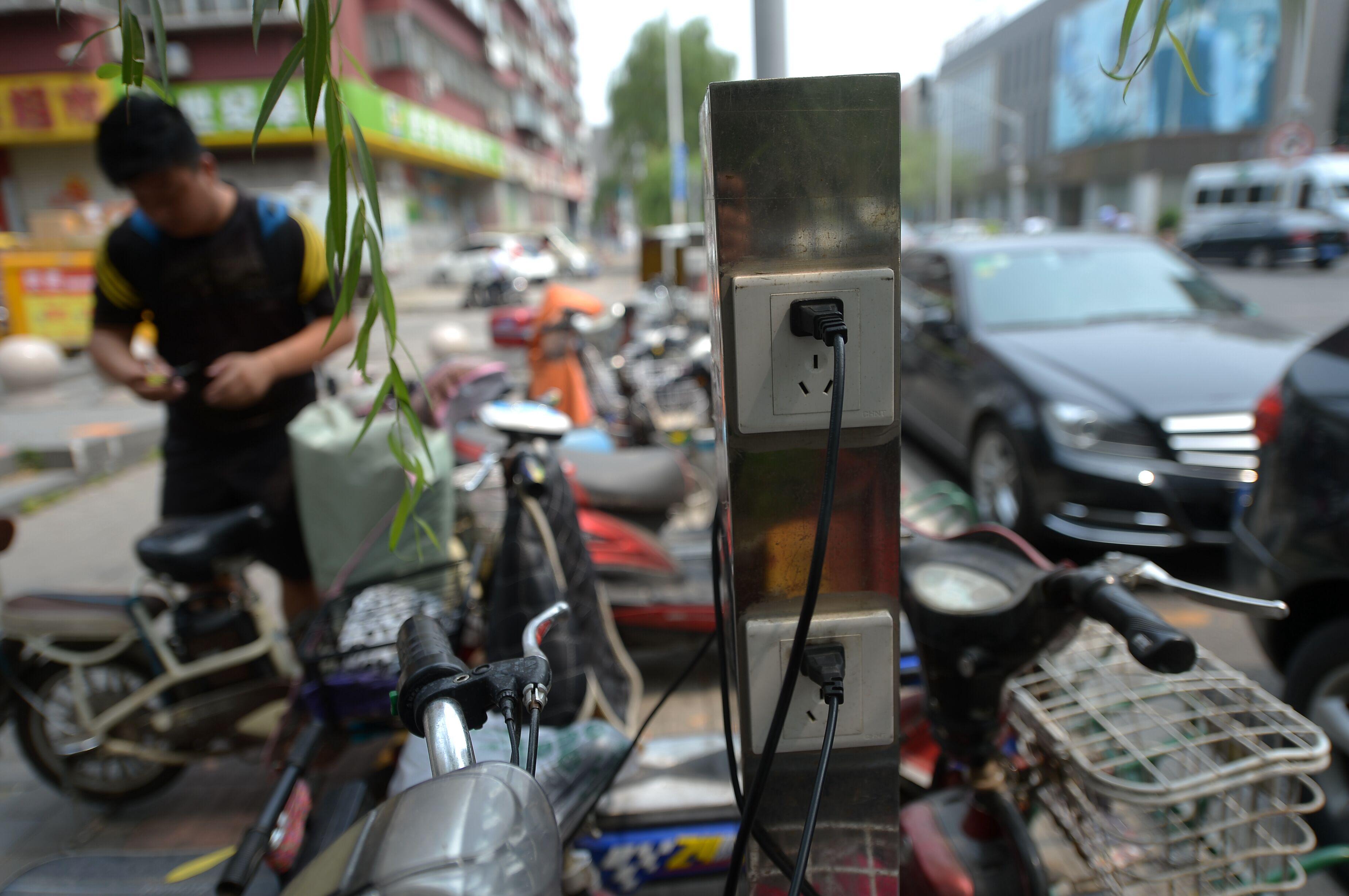 济南共享充电桩来了 电动车免费充电