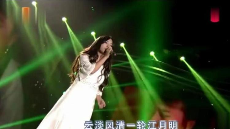 《新白娘子传奇》插曲《天也不懂情》,唱哭多少痴情怨女!