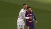 任意球直接命中C罗的头,梅西无奈握手表示歉意!