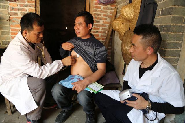 灵山县家庭医生签约服务暖人心