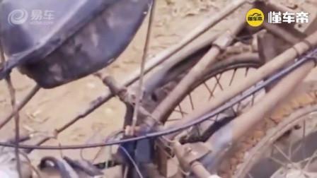 一辆拖拉机太贵,大叔用半辆摩托车和柴油发动机焊出