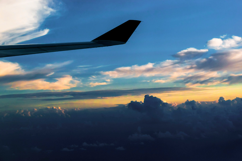 在上海飞往塞班岛的航班上.