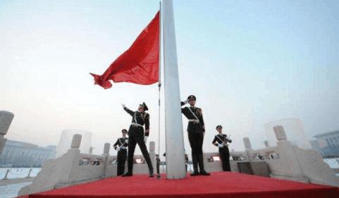 中国解放军第一升旗手, 6200次零失误, 拒50万年薪! 致敬可爱解放军!