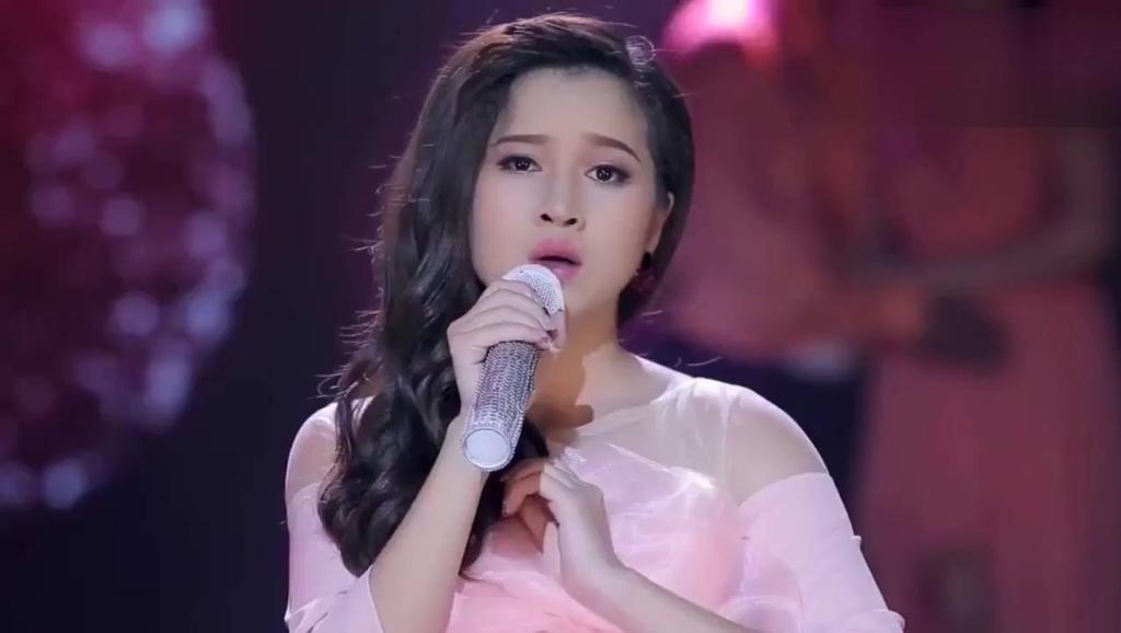 超好听的歌曲越南语歌手经典老歌《残缺的彩虹