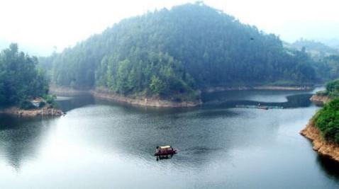 著名景点:云梦山,太安森林公园,福地湖风景区 推荐词:宜君县位于铜川