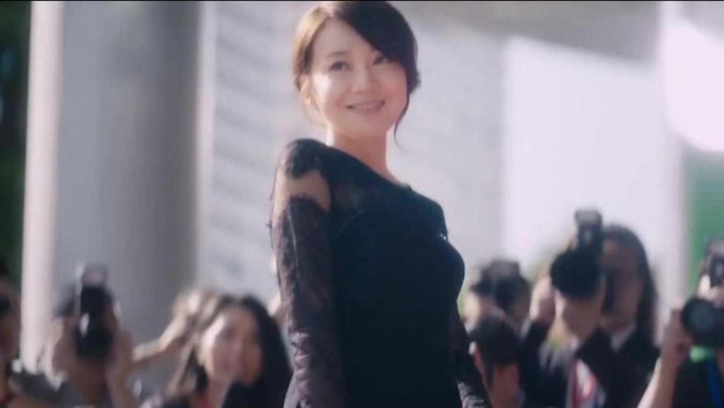 闫妮女王范亮相,大傻看懵了!