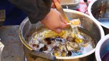 日本街头小吃——看着像民间搅搅糖