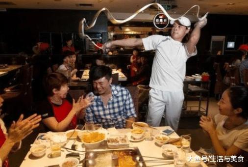 """海底捞吃火锅, 资深吃货从不点这""""4道菜"""", 网友: 专坑有钱人"""