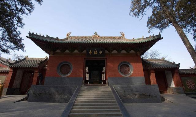 嵩山少林风景区位于河南省登封市境内.