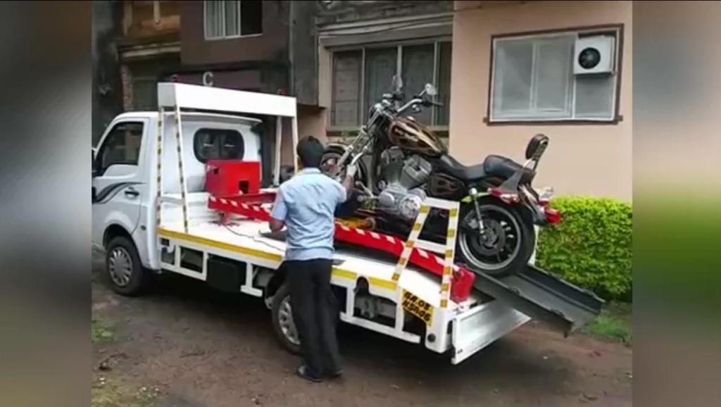 老外这样运输摩托车,省时又省力,值得借鉴!