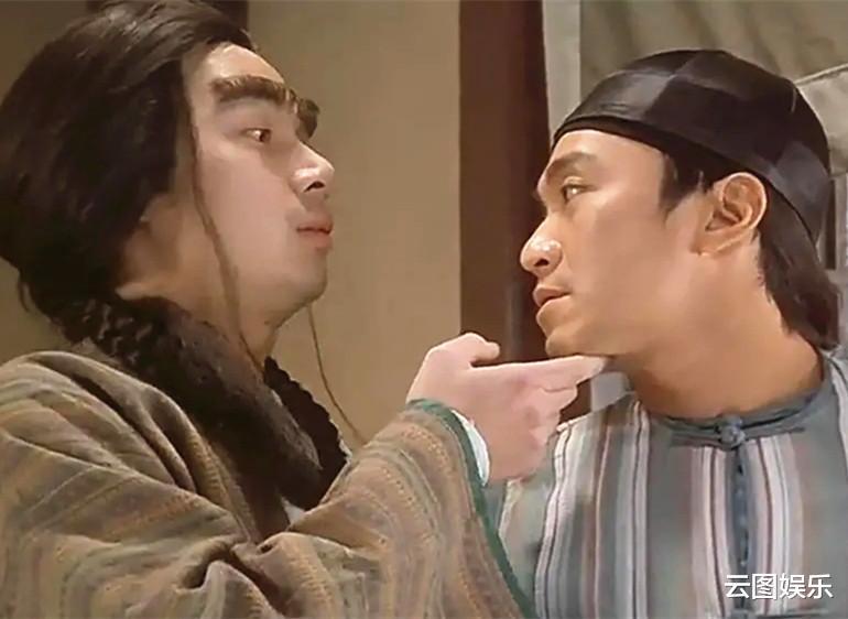 51岁的梁荣忠,头发已经花白,为了钟丽淇终生不娶(图6)