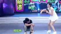 谢娜台上跳性感舞 文章崩溃 何炅看不下去了: 性感的让柳岩来!