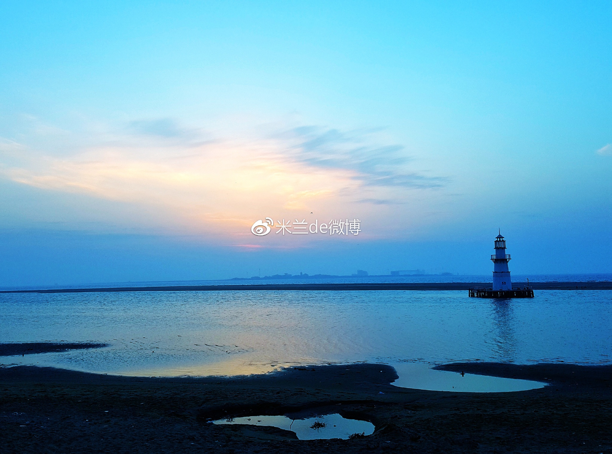 海上木屋,浪漫温馨,凌晨4点30分在月岛上静候海上日出,太阳冲出云层