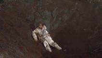 流落外星球,宇航员掉进可怕生物的陷阱