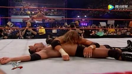 巨石强森在WWE最为煎熬一场血战!一小时与HHH浴血奋战胜负未分!