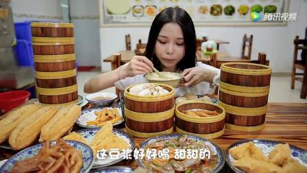 美女大胃王吃31份潮汕特色小吃, 只看就让人流口水!