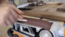 女师傅制作实木餐桌的,这木工活看着真顺手!