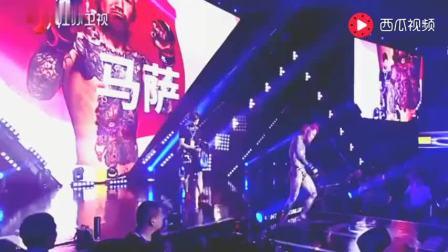 中国勇士遭日本杀马特拳手无脑挑衅后将其暴打KO,差点打死在台上
