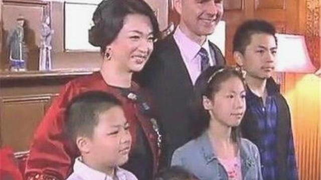 """金星儿子被同学嘲笑: """"你妈是个男的"""", 儿子回怼9字让金星骄傲"""
