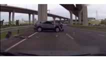 看了10遍,也没想明白SUV是从哪冒出来的