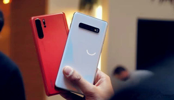 买iPhone还是华为? 懂手机的给出中肯评价, 终于不纠结了!