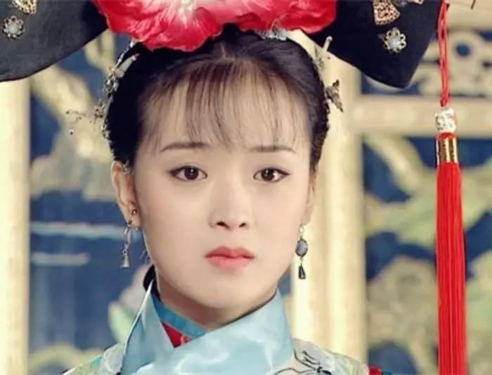 出演古装电视剧《花谢花飞花满天》,扮演剧中角色灵姑子.