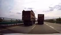 大货车司机 路怒挑衅,监控突然拍下,这惊险的瞬间