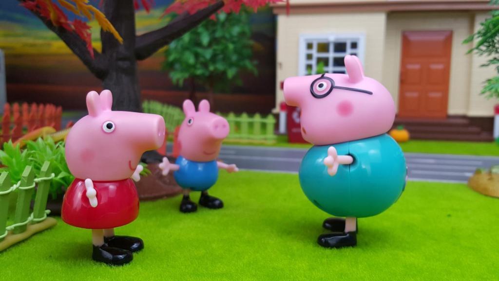 打开 打开 小猪佩奇喜欢的花朵果壳盒 打开 小猪佩奇亲子故事 有爱心