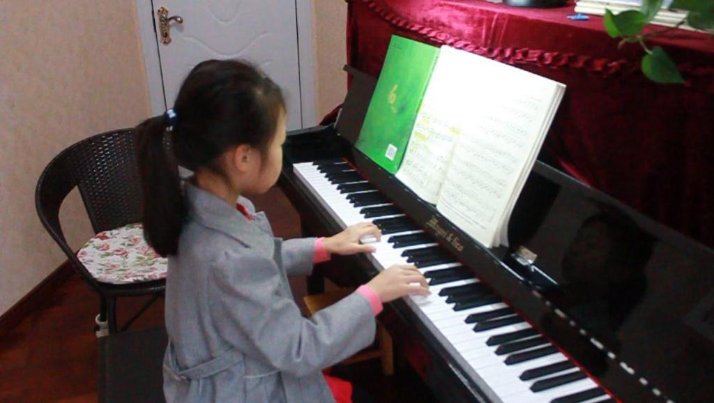 清澈的溪水 钢琴教学视频 布格缪勒钢琴进阶练习曲25首作品100