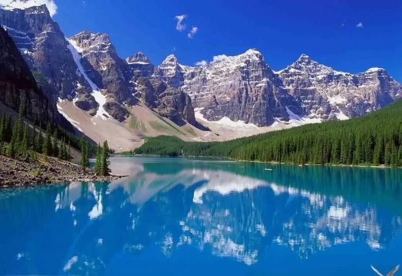 从沈阳坐火车就能直达新疆, 一路风景如画,都是天堂.