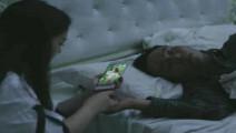 老公新买荣耀V10手机,老婆趁老公睡觉拿手机人脸识别解锁!