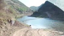 网友开柴油四驱哈弗H5过河,河岸两边的人都懵了!