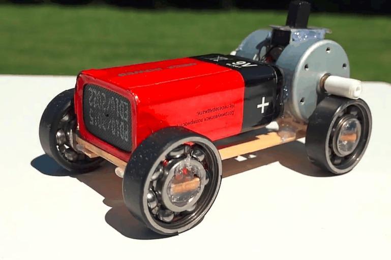 如何用最简单的材料,做出炫酷的超级跑车