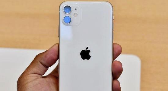 去年售价近万的iphone xs max, 今年却成为真香机