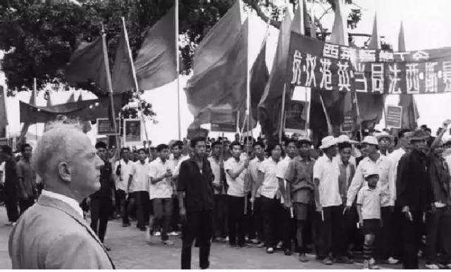 此人力矩抗争改为99年, 这一年为何如此重要 英国要租香港100年,
