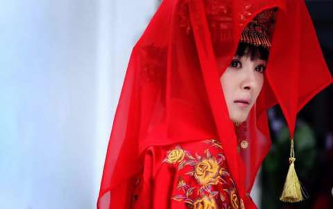 女星最美的古装嫁衣, 赵丽颖俏皮, 热巴动人, 却都不及她