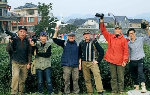 近日,杭州市西湖区风景旅游局组织了一次摄影达人游龙坞的线下活动,并