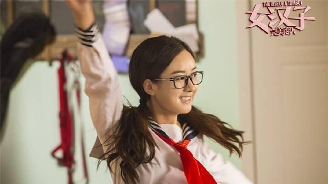 迪丽热巴,赵丽颖和郑爽同样演学生 你看哪个像校花, 哪个像笑话?